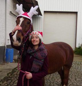 Assistent Nona met haar paard